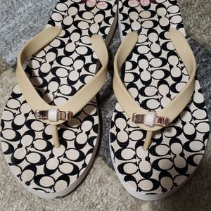 Coach Shoes - 🎉 Gently used Women's Coach flip flops